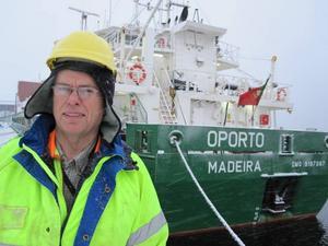 """TROR PÅ UPPSVING. """"Om det här går bra kanske vi kan anställa fler"""", säger Per-Olof Källström, delägare i Norrsundets Stuveri AB, om utsikterna att Grycksbo Paper väljer att ta in mer massa via hamnen i Norrsundet."""