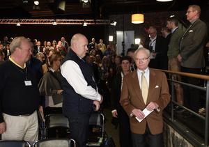 Kung Carl Gustaf och landshövding Ylva Thörn vid Folk och Försvars rikskonferens i Sälen på måndagen.