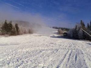 Hamrebacken i Duved öppnar för skidåkning på fredag.