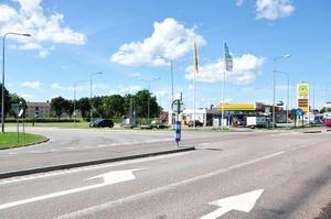 Under gårdagen genomförde polisen en platsundersökning vid korsningen där olyckan inträffade. Enligt Mats Östman, chef för trafikavdelningen på Uppsalapolisen, rör det sig dock inte om någon speciellt olycksdrabbad korsning.