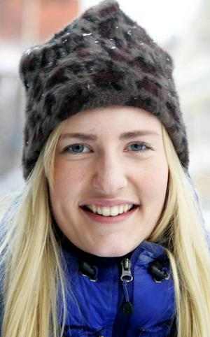 Malin Kull, 22 år, Östersund:– Nej det tror jag inte att jag gör, om jag inte blir tvingad av resten av familjen. Jag är inget jättefan av Melodifestivalen. Jag kollar hellre på en bra film eller en serie.