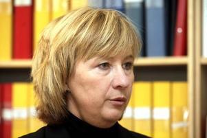 Inger Bodin, chef för servicegruppen på landstinget, är mer än nöjd med rekryteringen av Kaija-Liisa Roslund.Foto: Leif Jäderberg