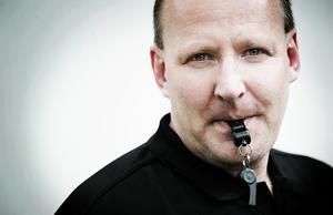 Kjell Westlund är domaransvarig på Hälsinglands Fotbollförbund, och tränare för Kilafors IF.