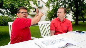 Lars Mangs och Pär Karlberg planerar att bygga nya flerfamiljshus intill befintliga hyreshus vid Bruksgatan.