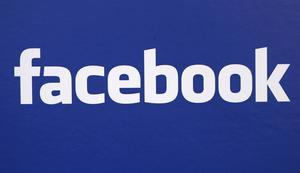 I Norge pågår en debatt om ifall författare är för osynliga på Facebook.