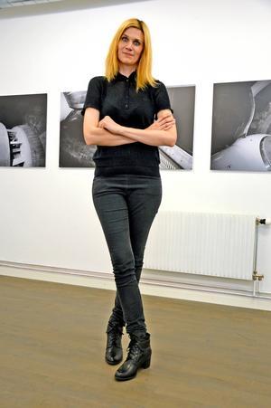 Jennie Rosbergs foton av kraftverksdelar griper tag.