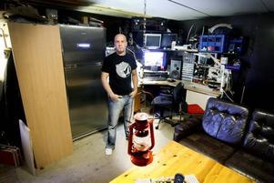 Vad kan man mer behöva än ett rejält kylskåp? Jimmy har ordnat det för sig.