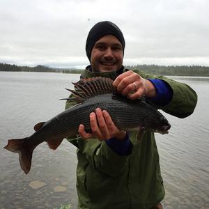 Johan Hellberg / Falun   Harr 1,62 Kg. Tagen på torrfluga i Frösjön.