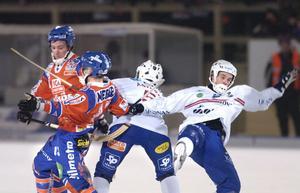 I kväll möts Bollnäs och Edsbyn i säsongens första derby. 19:00 är det avslag på Sävstaås.