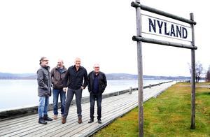 Jeff Lindahl, Tomas Burén, Dolph Lundgren och Kent Anderzon, ungdomskompisarna träffas igen.