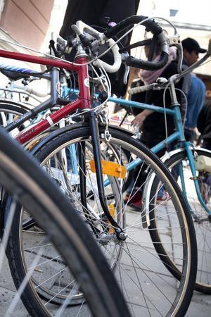 97 cyklar byttes, såldes och köptes detta år och runt 75 procent av alla som lämnas in brukar bli sålda.
