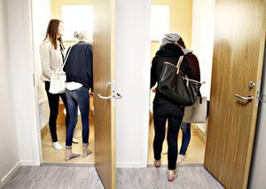 Eleverna var mäkta intresserade av toaletterna och gillade att musik ska spelas på toaletterna för att alla ska våga gå på toa.