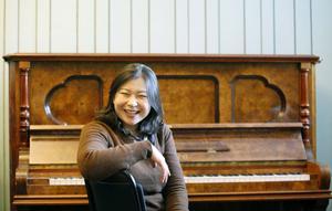 I hela sitt liv har Shi-Yeon Sung vetat att hon skulle bli musiker. Hon utbildade sig till pianist och är nu en av världens få kvinnliga dirigenter. I morgon, fredag, dirigerar hon Gävle Symfoniorkester i rahms andra symfoni, Korngolds violinkonsert med en världsberömd solist, Benjamin Schmid. Dessutom ett verk av Benjamin Valfridsson.