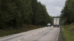 Då många pendlare använder 68:an, säger länsstyrelsen nej till en sänkning av hastigheten mellan Kärrbo och Dagarn.