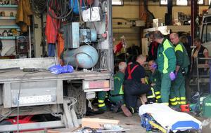 Räddningspersonal kunde prata med mannen medan de gav honom första hjälpen.