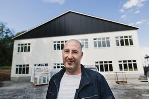 Tomas Shahho vars bolag TKJ fastigheter köpt fabriksområdet.