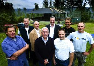 Första raden från vänster: B-G Eklund, Kurth Pettersson, Jonas Adamsson, Lasse Jansson. Andra raden: Sten Dahlberg, Rolf Pellas, Mikael Rosén, Lasse Backlund. Foto:Mikael Forslund
