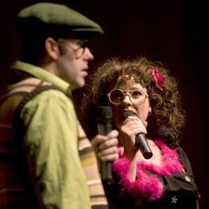 Musikshow för unga. Doris och Hilding under söndagens show på Konserthuset.