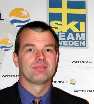 Sista rycket. Om bara några timmar ska Faluns VM-ansökan vara inne. Det blir Ulf Nilssons sista uppgift som förbundsdirektör. Vi kommer att hinna, säger han.