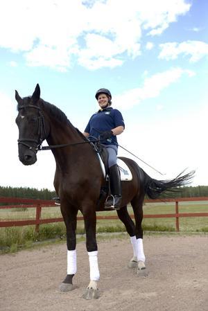 I höst deltar Kerstin Larsson Englund i VM i Normandie med sin häst Black Music.