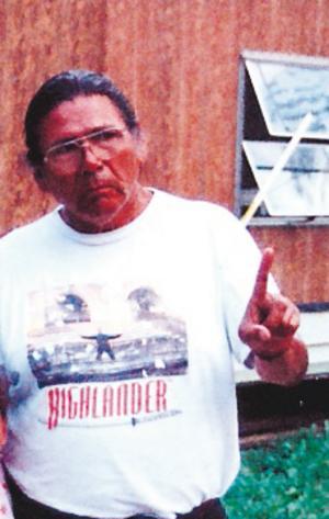 INDIAN. Ojibwa-indianen Dennis Bankso.