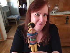 Sin allra första Barbie fick Kerstin Bergström som 5-åring. Och hon har den fortfarande kvar. Liksom åtskilliga fler, cirka 350 stycken.