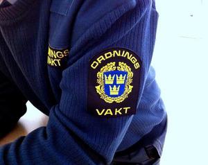 Hudiksvalls tingsrätt dömer en man för dödshot mot en ordningsvakt och en polis.