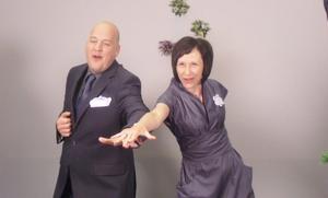 Teckenspråksartisterna Tommy Fransson och Helena Wästborn.