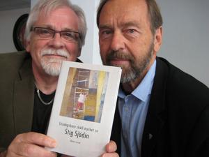 Bernt-Olov Andersson och Per Helge är redaktörer för antologin som kommer ut på måndag.