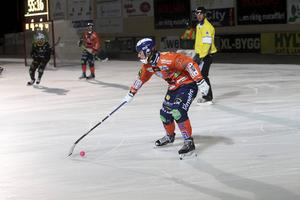 Christian Mickelsson gjorde tre mål i hemmaderbyt.