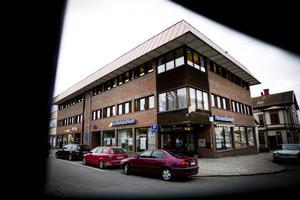 Handelsbanken i Ljusdal är ett av de kontor som kan påverkas när bankkedjan planerar att stoppa kontanthantering på ett 70-tal platser.