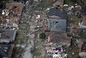 Flera hem i New Orleans förstördes av tornadorna.