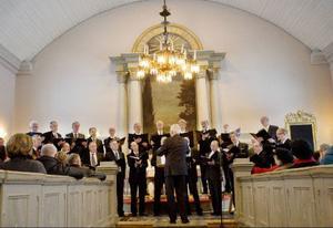 Vid fredagens lunchkonsert blev Gamla kyrkan fullsatt och dörrarna låstes.