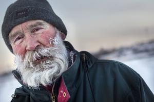 Det bildades i Frank Carlbergs skägg efter en promenad längs Hudiksvallsfjärden.