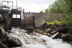 Hans-Erik Andersson och Karl-Ivar Olsson från Storsjön-Bergs fiskevårdsområde, engagerade sig för att få till ett omlöp vid Billsta kraftverk så att fisk och annat ska kunna vandra och föröka sig, något som nu kommer att bli möjligt.