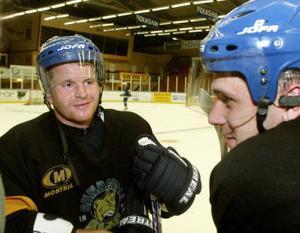 Centern Robert Vavroch återvänder till Sundsvall Hockey efter ett par säsonger utomlands. Säsongen 2001/2002 gjorde Vavroch succé i Sundsvall och nu är förhoppningarna stora på tjecken.