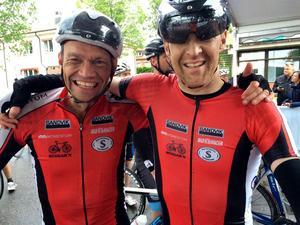 Ulf Domanders och Ulf Bergqvist, båda Gävle, såg så här glada ut efter målgång.