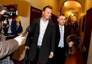 Magnus Carlsson åtalas tillsammans med Lotta Engberg, Martin Stenmarck och bokaren Bruno Tillander.