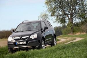 Opel Antara är inte tysk och inte ens europeisk. Den byggs i Korea och kan även bära namn som Chevrolet Captiva, Daewoo Winstorm, GMC Terrain eller Saturn Vue.