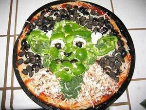 """Jodå, min """"stackars man"""" får äta både pizza och chips (men sen kopplar jag honom och låter honom springa ett par timmar bredvid bilen – nejdå!)"""