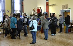 Omkring 100 personer besökte fiskauktionen som ordnades i Kvissleby under söndagen.