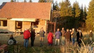 Lerhuset i Näsviken fick besök av lerbyggare från flera nordiska länder.