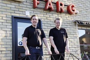 """""""Många trogna kunder som sommarstugeägare, lantbrukare och företagare är glada att butiken finns kvar"""", säger de nya ägarna."""