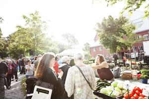 Härnösands stadspark och Korsmässomarknaden var välbesökt.