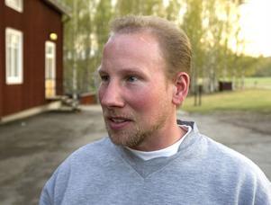 Om gruvan ger 70 jobb eller mer är det jättebra. Men för att förstå miljökonsekvenserna behöver jag nog höra fler än de här killarna, säger Stefan Jonsson, Delsbo efter samrådsmötet.