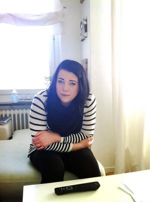 Sara Vikstrand fick ett nytt jobb i januari 2011. Men efter att hon berättat att hon var gravid blev hon uppsagd på grund av arbetsbrist.