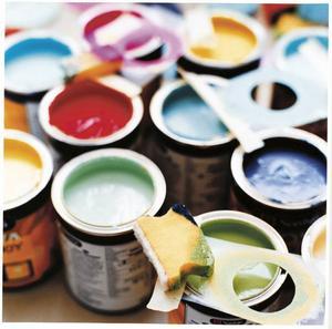 Det är både billigt och enkelt att måla om hemma. Dessutom finns det en mängd olika kulörer. Nordsjö har 6 000 stycken. Foto: Nordsjö