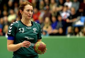Veteranen Kristina Thureson var tillbaka på banan igen och svarade för tre mål.