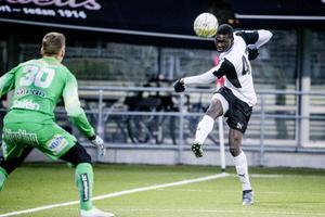 Ebrima Jaiteh gjorde ett spännade inhopp och hade en rungande träff i målramen.