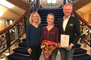 Thomas Byström har inspirerat och väglett Amelie Saether och Evelina Sjödin, som driver Amnis Hundhus i Sundsvall. Han utsågs på onsdagen till Årets mentor i Västernorrland för tillväxtföretag.